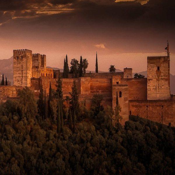 Cuentos y leyendas de la Alhambra