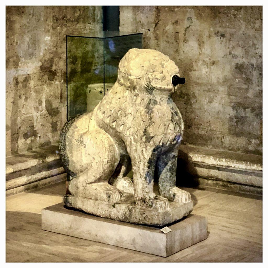 León del Maristán